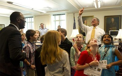 Fourth-graders meet with top Pentagon leaders to talk about peace